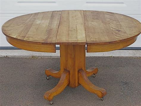 Antique Oval Kitchen Table With Pedestal Charlottetown, Pei