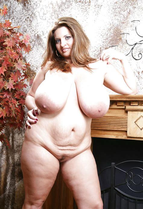 Megabusty Maria Moore 49 Pics