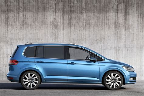 Vw Touran Verkaufsinserat by All New Vw Touran Is Bigger And More Economical Carscoops