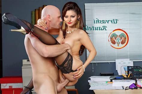 xxx urvashi rautela naked porn chudai photos • xxx pics