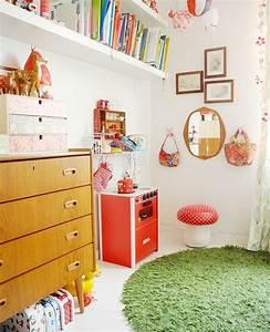 Wann Kinderzimmer Einrichten : teppich rund 40 innendesigns mit rundem teppich die sehenswert sind ~ Indierocktalk.com Haus und Dekorationen