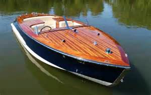 Photos of Classic Speed Boats For Sale