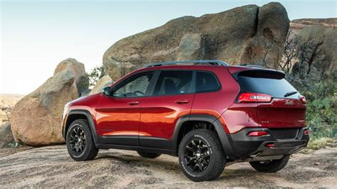 jeep cherokee trailhawk red 2014 jeep cherokee trailhawk shown in deep cherry red