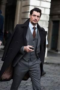 Puntos extra de estilo: lleva un abrigo sobre tus hombros ...