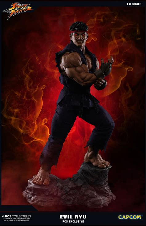 Street Fighter V Evil Ryu Statue And Evolution Statue Set