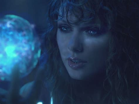 Taylor Swift Decoded! The Best Theories About Her 'Ready ...