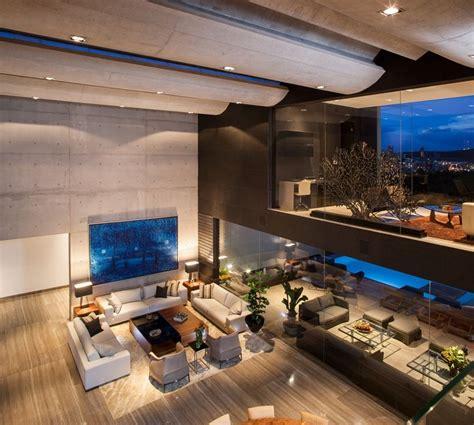 dominant modern mansion  glr arquitectos living room