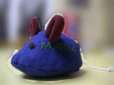 souris dans la cuisine une souris bleue qui courait dans la cuisine