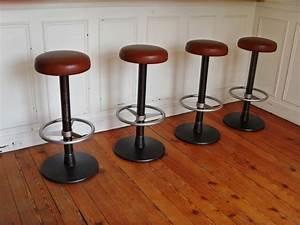 Tabouret Style Industriel : tabouret industriel style and steel jpg chaises tabourets lampes luminaires eclairages ~ Teatrodelosmanantiales.com Idées de Décoration