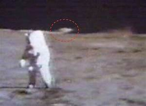 UFO SIGHTINGS DAILY: UFO Recorded landed on surface of ...