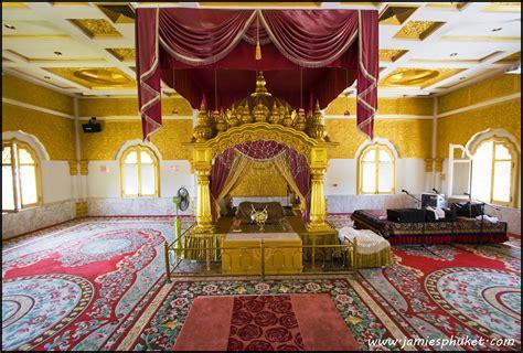 prayer room   sikh temple phuket   led