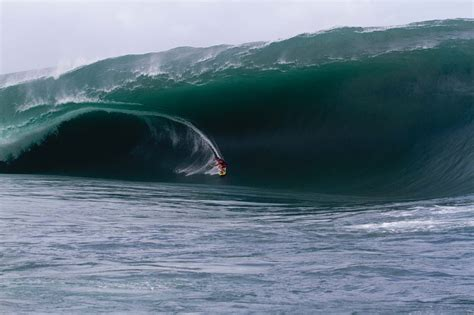 Known As The Heaviest Wave In The World Teahupoo Cho
