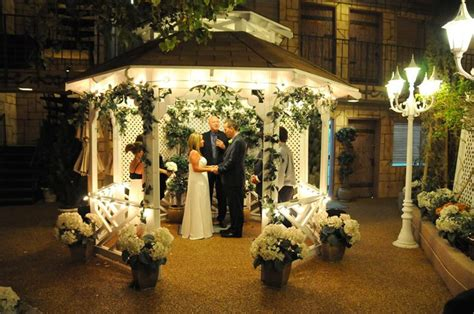 17 Best Images About Vegas Wedding On Pinterest