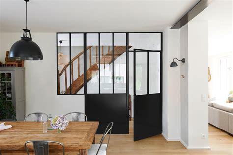 lumiere sous meuble de cuisine une verrière d atelier source de lumière et d inspiration