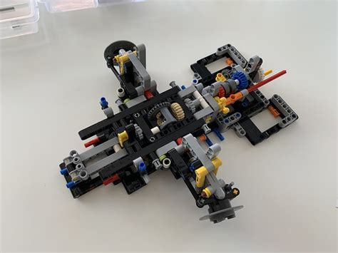 I have just completed the first module (cabin and gearbox) up to page 25. Building Lego Technic 42083 Bugatti Chiron Part 3 | Random ...
