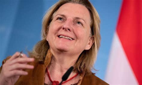 Bijusī Austrijas ārlietu ministre sāk publicēties Kremļa ...