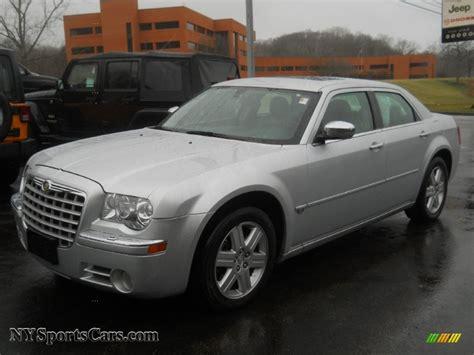 2005 Chrysler 300 Hemi Mpg by 2005 Chrysler 300 C Hemi Awd In Bright Silver Metallic