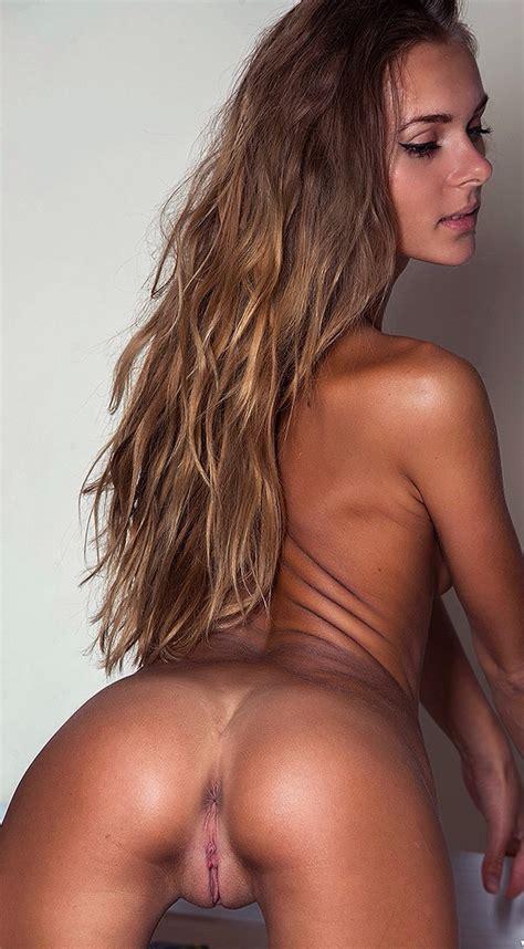 Flawless Brunette Porn Pic EPORNER