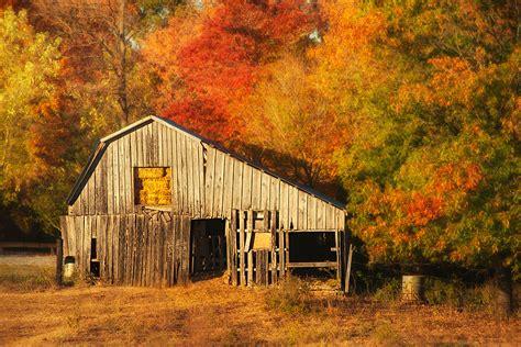 Kentucky, Barns And Haunted