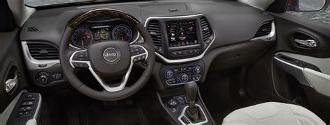 jeep grand cherokee laredo interior 2017 jeep cherokee 2017 características de interior premium