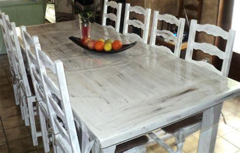 peinture pour table de cuisine impressionnant peindre un meuble en bois sans poncer 12