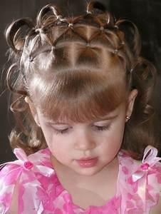 3 Filles Qui Chantent : coiffure b b fille 62 id es faciles et trop mignonnes ~ Medecine-chirurgie-esthetiques.com Avis de Voitures