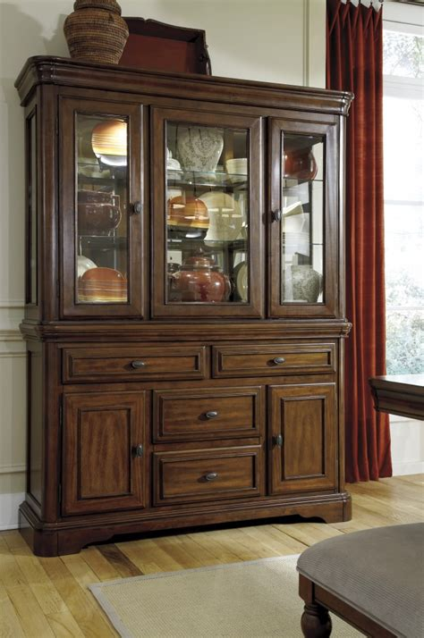 D70081 Ashley Furniture Leximore Dining Room Hutch