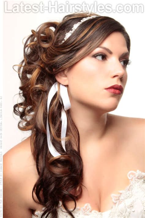 curled hairstyles tending    grab  hair