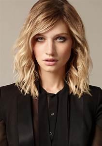 Blonde Mittellange Haare : frisuren f r locken die sch nsten looks ~ Frokenaadalensverden.com Haus und Dekorationen