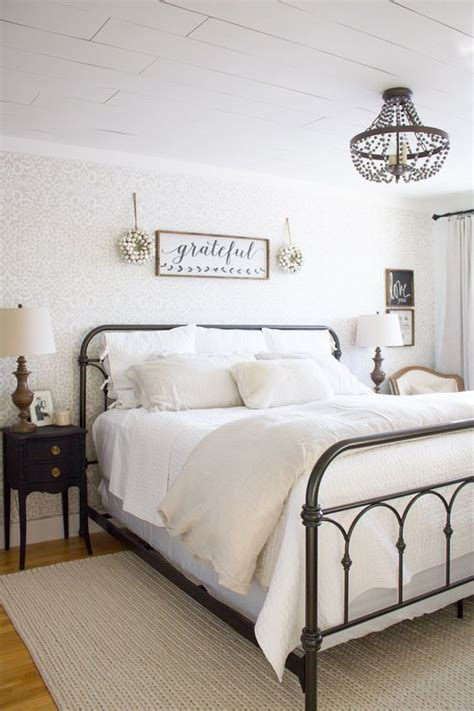 21 Rustic Farmhouse Bedroom Decor Inspiration Ideas