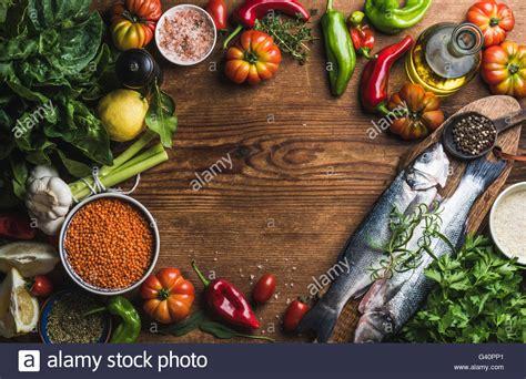cuisiner un bar ingredients photos ingredients images alamy