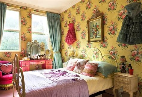 bedroom: Whimsical Vintage Bedroom Décor that You Can DIY