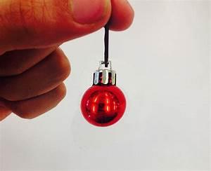 Mini Boule De Noel : des mini boules de no l sp cialement con ues pour d corer la barbe des hipsters ~ Dallasstarsshop.com Idées de Décoration