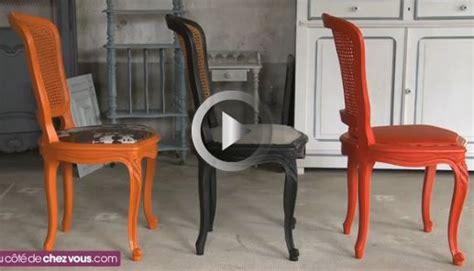 refaire le cannage d une chaise relooker une chaise cannée en remplaçant le cannage par
