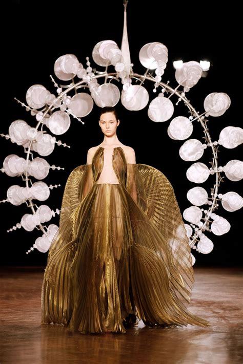 haute couture shows fallwinter