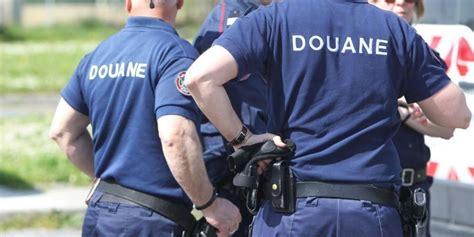 bureau des douanes la rochelle agen les douaniers veulent sauver leur poste sud ouest fr