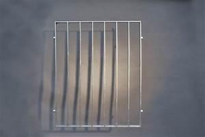 Gitter Für Fenster : gitter aus 40 x 8 mm feuerverzinktem flachstahl ~ Lizthompson.info Haus und Dekorationen