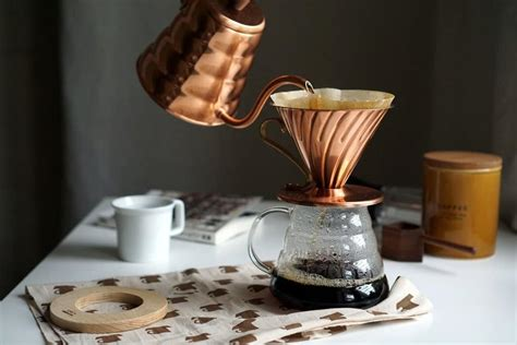 pour  coffee makers  caffeine addicts