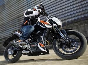 Fiche Technique Ktm Duke 125 : ktm 125 duke 2014 fiche moto motoplanete ~ Medecine-chirurgie-esthetiques.com Avis de Voitures