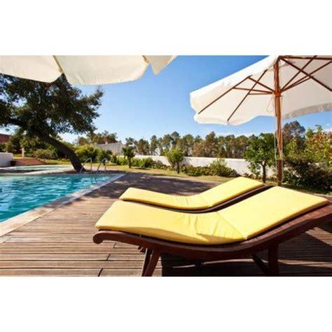chaises longues de piscine chaises longues de piscine détendez vous confortablement
