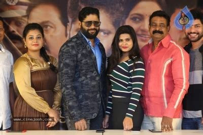 akkadokaduntadu  success meet  gallery