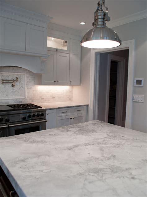 Super White Quartzite   Transitional   kitchen   Muralo