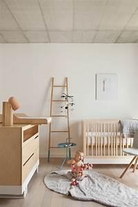1001 idees pour la decoration chambre bebe fille With tapis chambre bébé avec guirlande de fleurs lumineuse