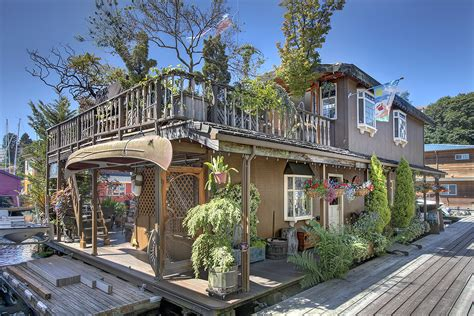 Boat House For Sale Seattle by Seattle Houseboat Living Life Afloat On Lake Union