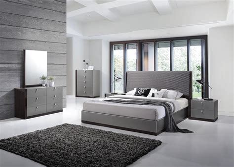 Bedroom  Modern Designed Bedroom Ideas Modern Bedroom. Beach Themed Shower Curtains. Purple Velvet Sofa. Grey Fur Rug. Undermount Trough Sink. Crema Bordeaux Granite. Counter Top Edges. Bedroom Curtain Ideas. Navy Blue Accent Table