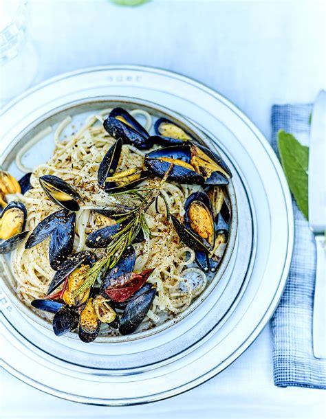 recette de cuisine originale et inventive pour le déjeuner réalisez des spaghettis au curry et aux