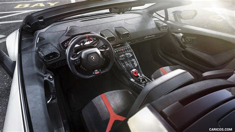 2019 Lamborghini Huracán Spyder Performante Interior