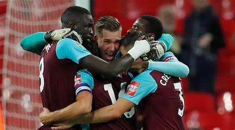 League Cup: West Ham stun Spurs, Chelsea oust Everton ...