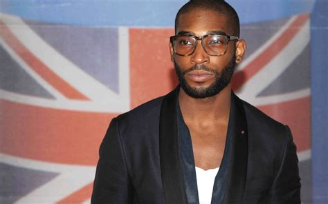 tinie tempah wallpapers images  pictures backgrounds