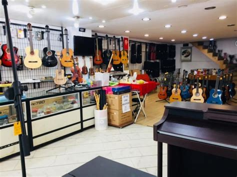 Kadikoy 350 Sqm Shop For Rent In Istanbul In Busy District